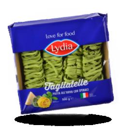 Groene tagliatelle Italiaanse pasta