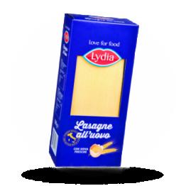 Gele lasagnebladen Italiaanse pasta met ei